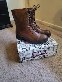 Brown Laced Boots Size 8 Omaha, 68164