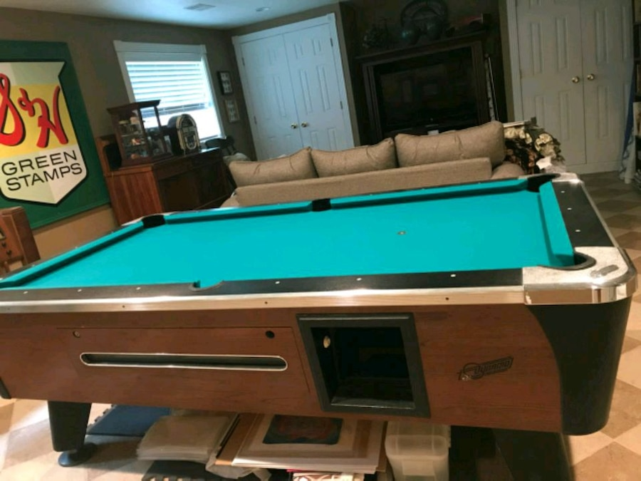 Photo Dynamo Pool Table and Plus Accessories