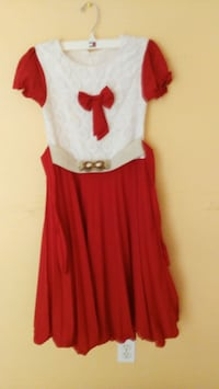 Kids dress Kitchener, N2P 1K6