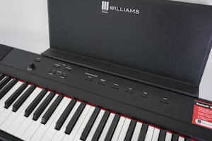 Williams Legato III 88-key electric keyboard
