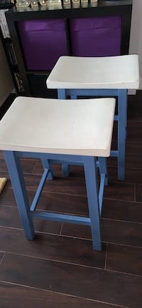 Counter height stools Langley, V3A 3X9
