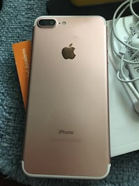 Rose gold iphone 7 plus Woodbridge, 22193