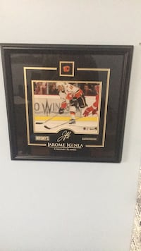 JAROME IGINLA Autographed Photo in a frame 545 km