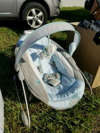 baby's white and blue cradle n swing Seminole, 33772