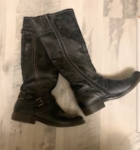 Woman's Black Leather Boots  Crescent, 51526