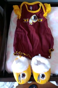 Baby Girls Redskins Romper & Slippers size 3-6 Months Alexandria