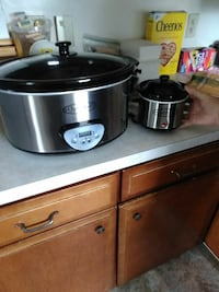 stainless steel and black slow cooker Middletown, 21769