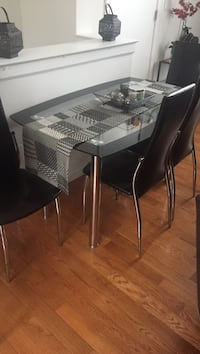Rectangular contemporary style glass table and 4 chairs dining set Philadelphia, 19130