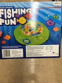 NWT fishing toy batteries operated  Memphis, 38016
