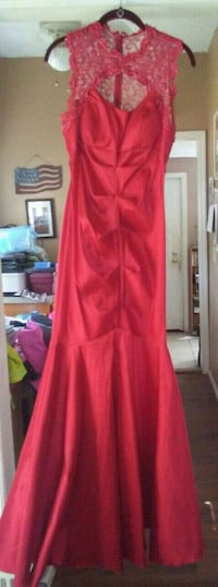 Size 6 prom dress Zephyrhills, 33542