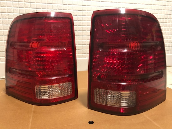 02 05 Ford Explorer Tail Lights