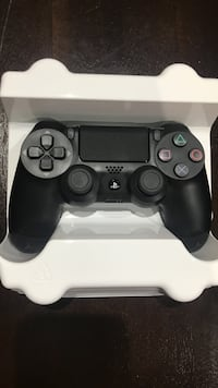black Sony PS4 game controller *brand new* Milton, L9T 1V2