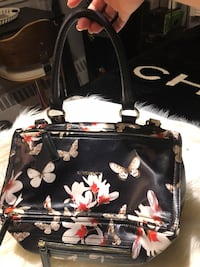 black and white floral leather handbag Toronto, M6B 3A9