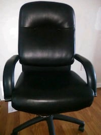 black leather padded rolling armchair Woodbridge, 22193