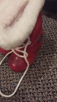 Size 6, winter boots. Vaughan, L4J 5L7