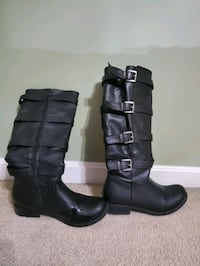 Women's black boots Mount Airy, 21771