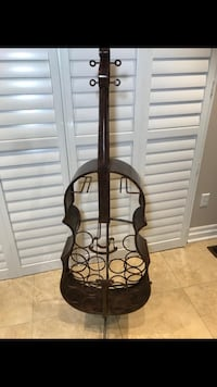 Solid metal brass guitar wine rack with standing excellent condition  Brampton, L7A