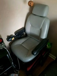 Electric power chair with charger  Hagerstown