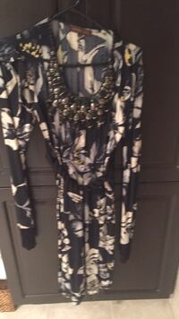 Like new party holiday dress in size small by Ranna Gill. Very expensive dress that I barely got to wear. Serious only please. Laval, H7Y 2C1