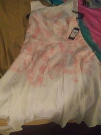 women's white and pink floral dress Cambridge, N1T