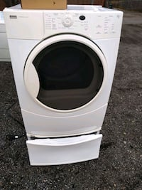 Kenmore heavy duty dryer works good 6 month warranty delivery availabl Washington