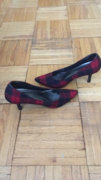 Size 10 black & red shoes
