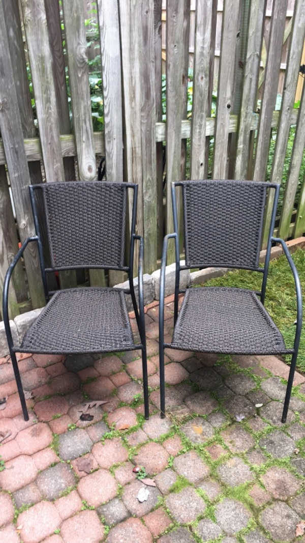 2 patio chairs. Good condition, sturdy and comfortable