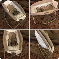 baby's white and gray bouncer Bakersfield, 93307