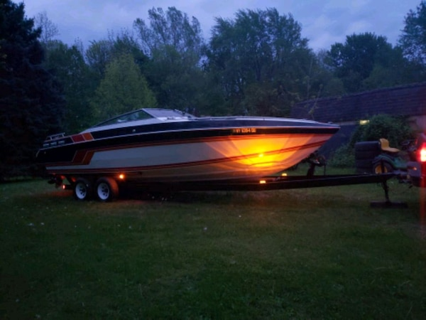 86' Chris Craft Stinger 260