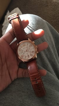 round white Michael Kors chronograph watch with brown leather strap Belton, 76513