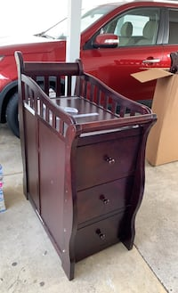 Toddler changing table and bed Alexandria, 22310