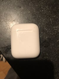 AirPod CASE AND LEFT AIRPOD New York, 10028