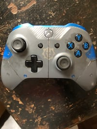 Xbox one controller Gears of war editions