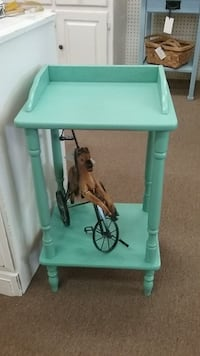 Painted Two Tier Table Mesa