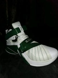 unpaired white and green LeBron  high-top sneaker Canutillo, 79835