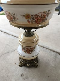 2 Antique Lamps and 1 shade Las Vegas, 89145