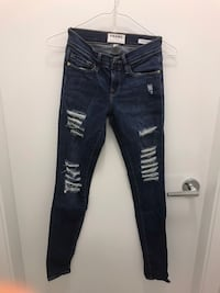 Frame denim ripped jeans 24 Richmond, V6X 2A2