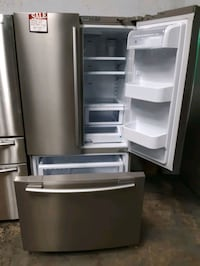 SAMSUNG STAINLESS STEEL FRENCH DOORS FRIDGES WORKING PERFECTLY