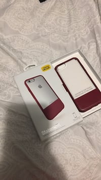 Maroon statement iphone case with box Langley, V3A 1Z7