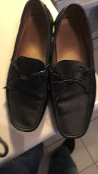 pair of black leather loafers Niagara Falls, L2J 1Y9