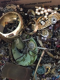 10 lbs pounds of costume estate jewelry and a few coins. No haggle please. Many many lots. 762 mi