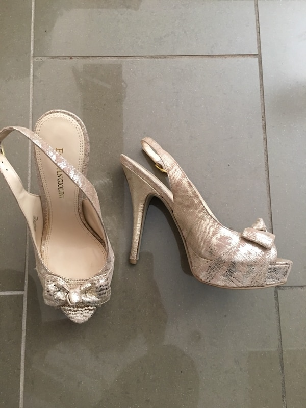 b30ff5b3412 Used Women s pair of beige heels open toe for sale in Vancouver - letgo