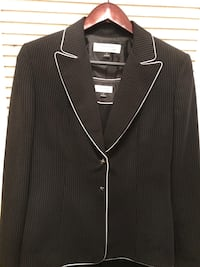 Woman's Size 6 Pant Suit  Silver Spring, 20910