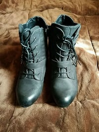 pair of black leather boots Los Angeles, 90032