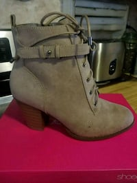 Brand new never worn boots size 8