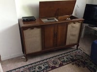Vintage hifi. Plus table top stereo, CD, turntable, tape.  Turntable on small unit needs adjustment. Montréal, H4V 1K4