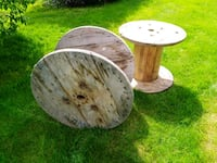 two white and brown wooden stools Brier, 98036