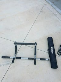 black and gray pull up bar Perris, 92570