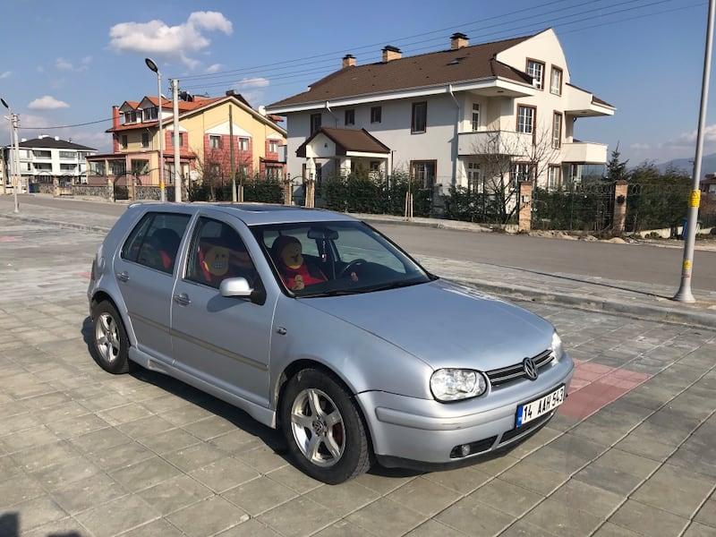Volkswagen - Golf - 2000 1