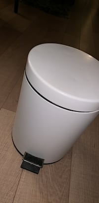 White ikea garbage can small Vancouver, V6B